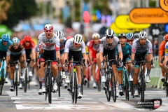 Tour de France 2020 - 107th Edition - 1st stage Nice - Nice 156 km - 29/08/2020 - Alexander Kristoff (NOR - UAE - Team Emirates) - Peter Sagan (SVK - Bora - Hansgrohe) - Mads Pedersen (DEN - Trek - Segafredo) - Giacomo Nizzolo (ITA - NTT Pro Cycling) - Cees Bol (NED - Team Sunweb) - photo POOL Vincent Kalut/PN/BettiniPhoto�2020