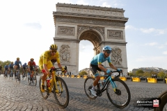 Tour de France 2020 - 107th Edition - 21th stage Mantes-la-Jolie - Paris 122 km - 20/09/2020 - Tadej Pogacar (SLO - UAE - Team Emirates) - Miguel Angel Lopez (COL - Astana Pro Team) - photo Luca Bettini/BettiniPhoto©2020