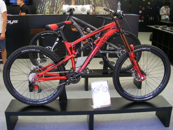 Eurobike2015_Dartmoor_booth_Roots_Red_Devil_and_Roots_Black_Angel_bikes