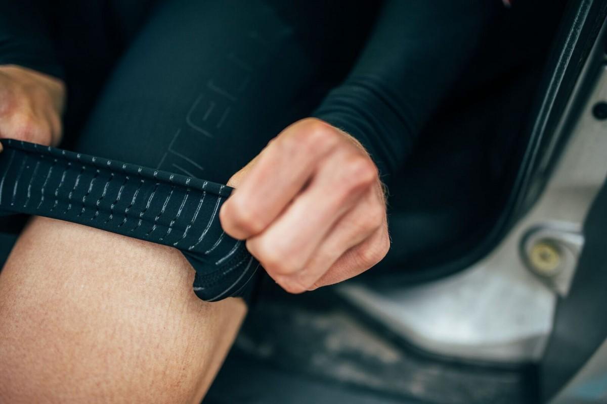 Nogawki z silikonowym paskiem